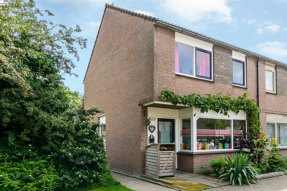 https://www.arsibel.nl/CreateThumbnail.aspx?Fotobestand=41636685_2017.08.11---Arsibel-makelaardij---Sporenweide-52-Breda-2-of-33.jpg&ThumbPath=1200&MaxWidth=1200